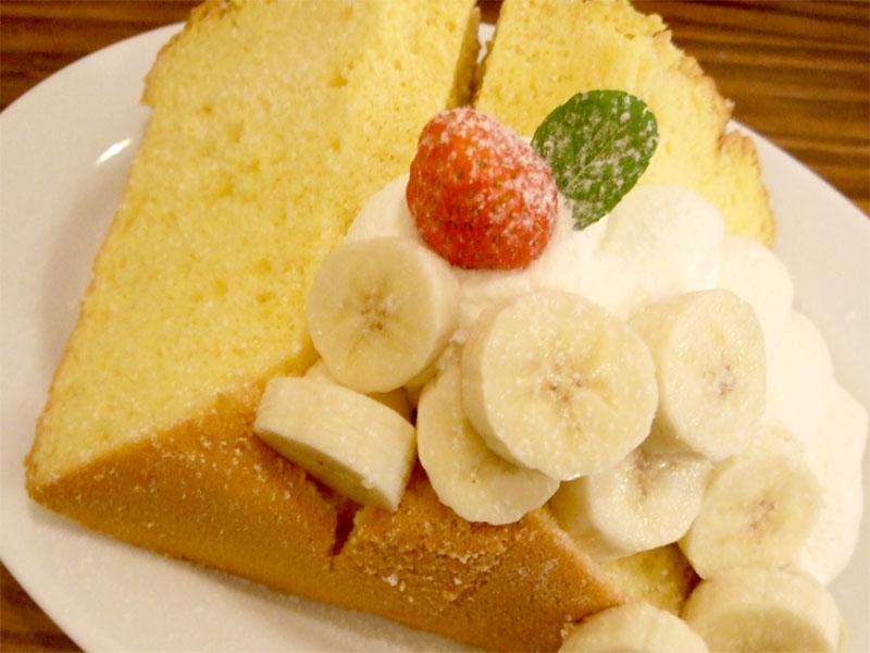 人気メニューはふわふわのシフォンケーキ