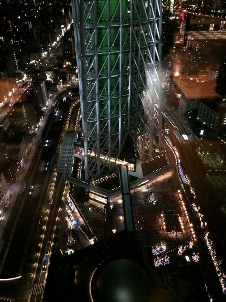 31階のレストラン街から観たスカイツリーの足元