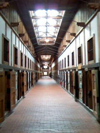 監獄の光景