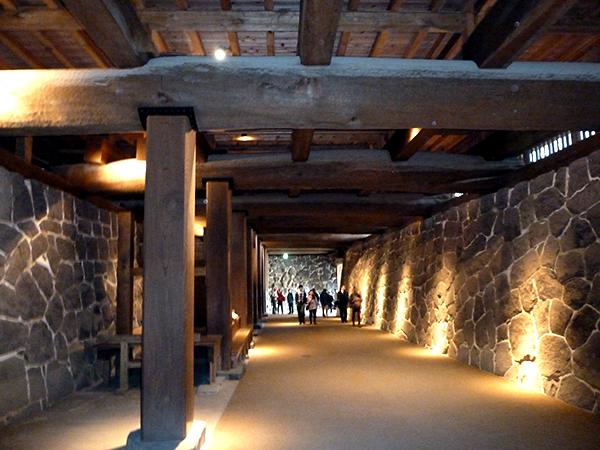 改装された本丸の地下通路