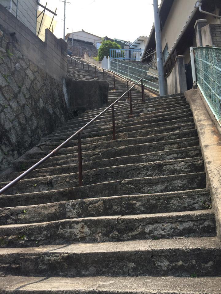 映画『海猿』の訓練で登る階段